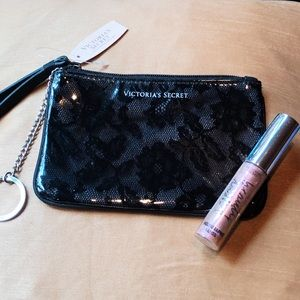 VICTORIA'S SECRET MAKEUP BAG & LIP GLOSS💗